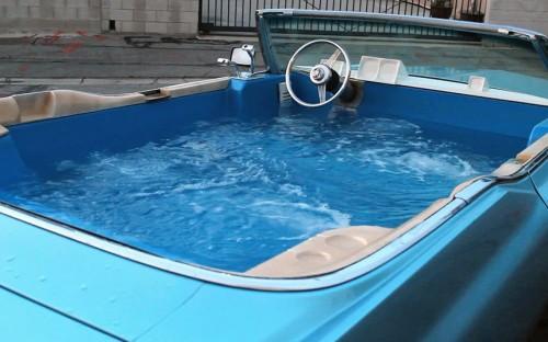 potd-car-hot-tub_2979102k